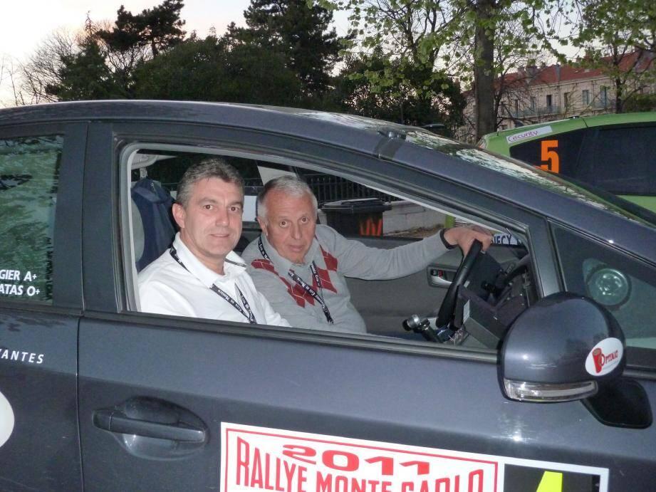 C'est reparti pour trois jours de rallye pour Jean-Michel Matas et son coéquipier, Roger Augier.