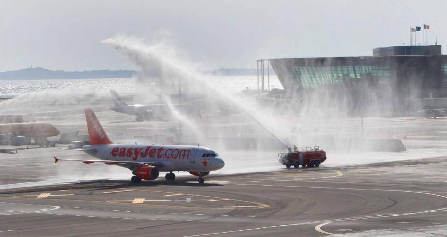 Le dernier Airbus d'easyJet a été « baptisé » hier à Nice d'un nom symbolique : « La France au cœur ».