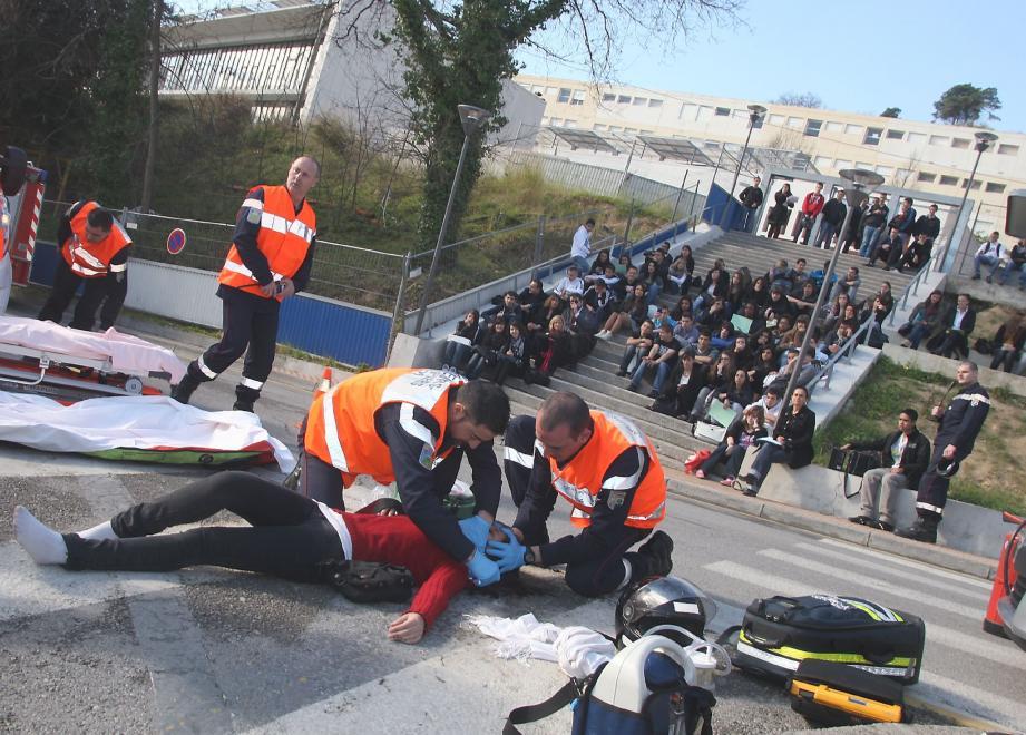 Une démonstration « choc » a été organisée en début de journée par les sapeurs-pompiers de Menton.