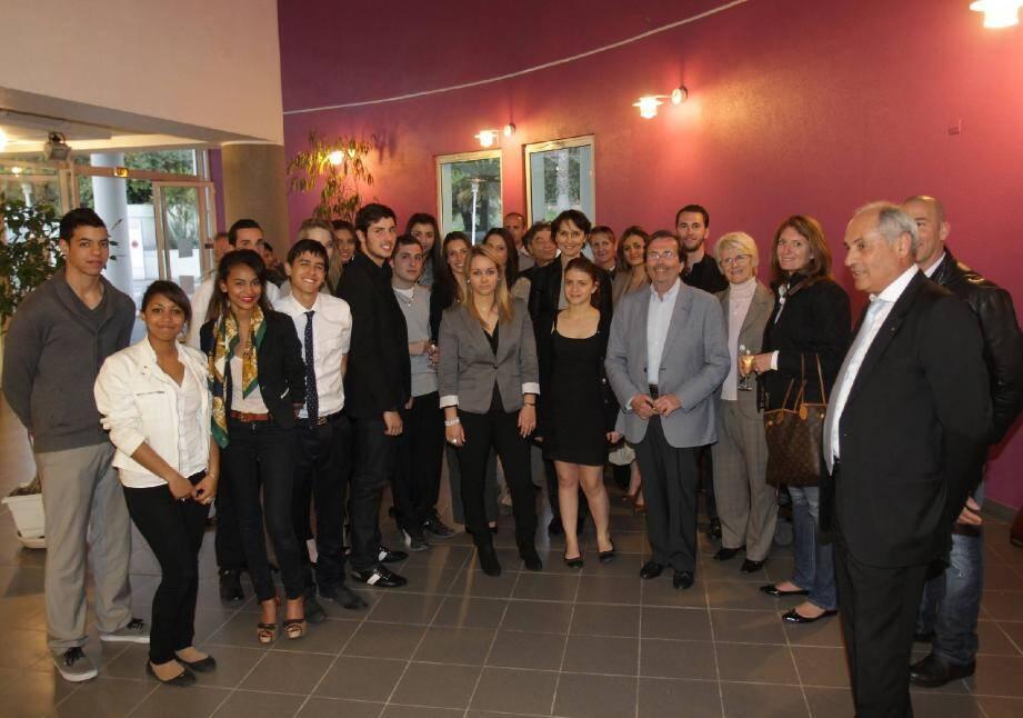 Un échange direct et constructif lundi soir au lycée professionnel entre les commerçants de Cannes Prestige et les douze élèves sélectionnés.