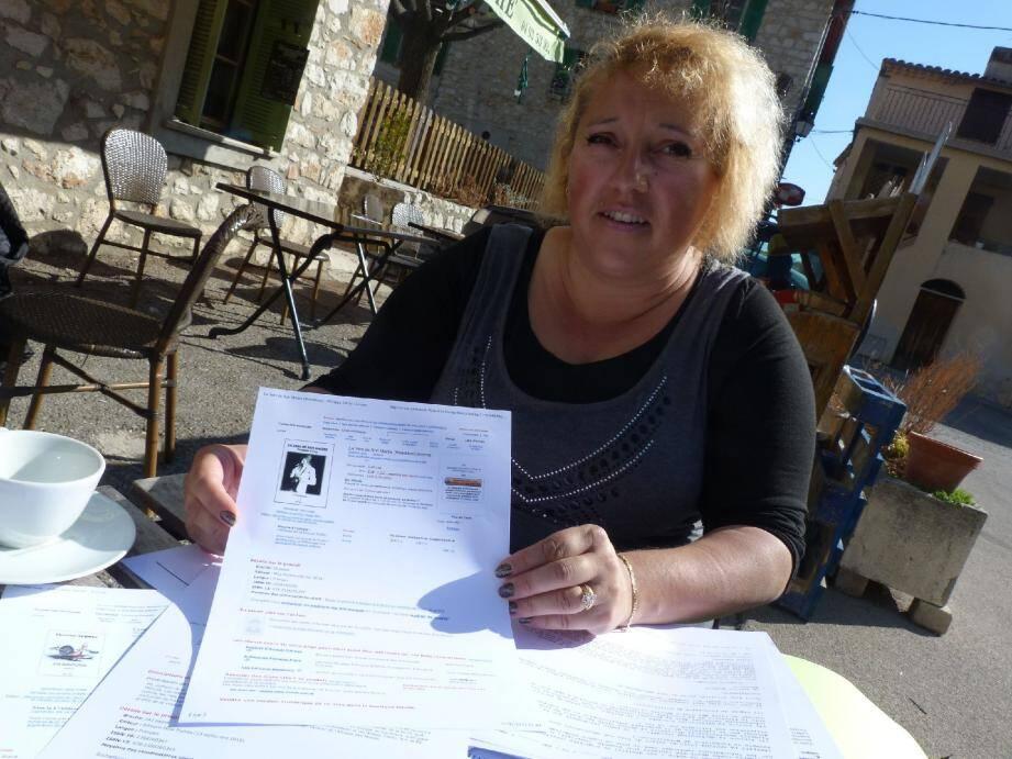 Céline Aversenq a relevé les ouvrages de son catalogue proposés à la vente par le site.
