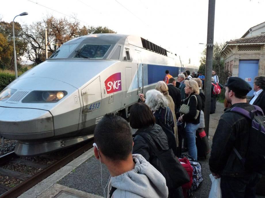 Partis de Metz à 6 h 11 hier matin, ils arriveront à Nice vers 21 heures.