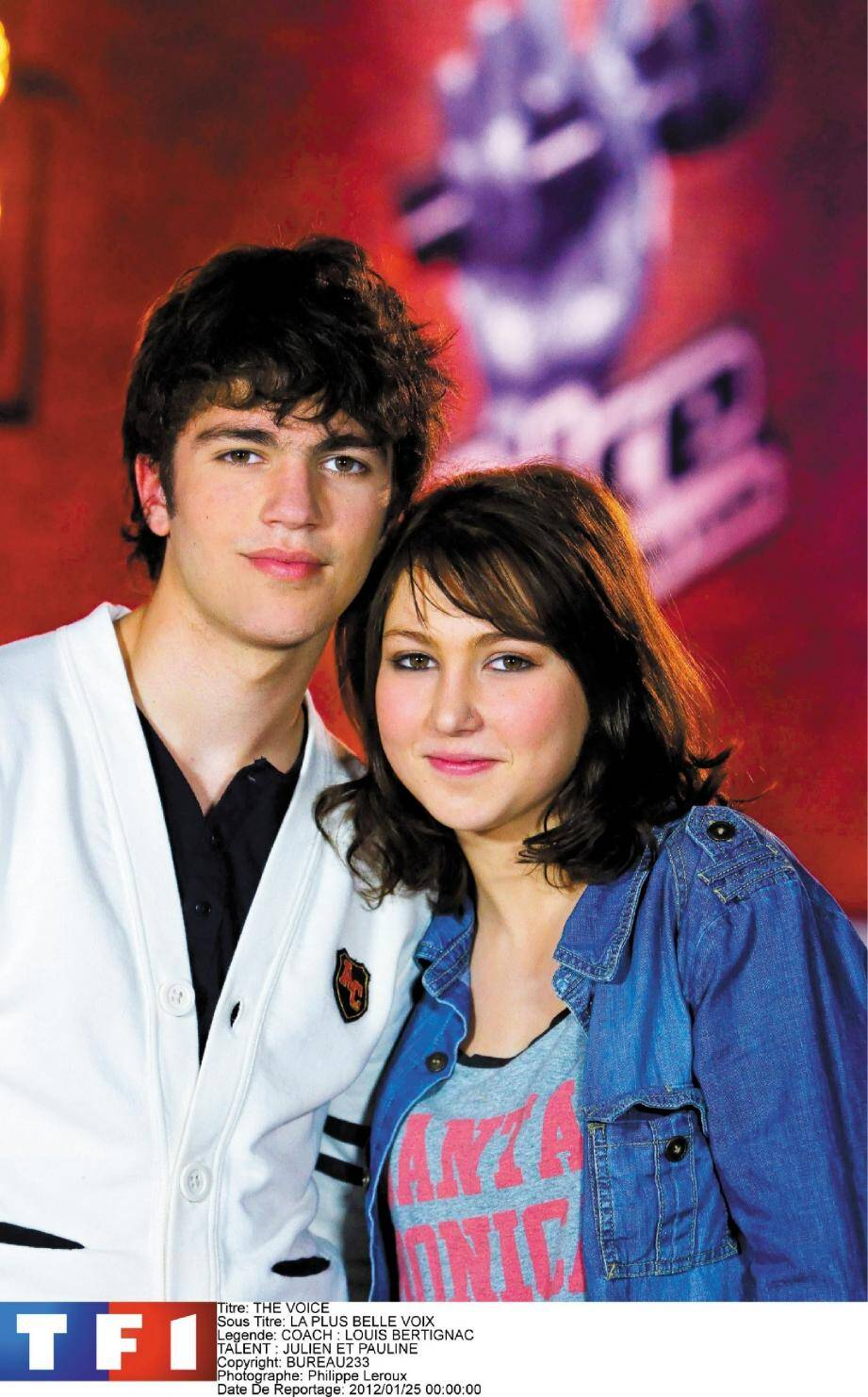 Julien, 16 ans, et Pauline, 17 ans, benjamins et seul duo de l'émission The Voice .