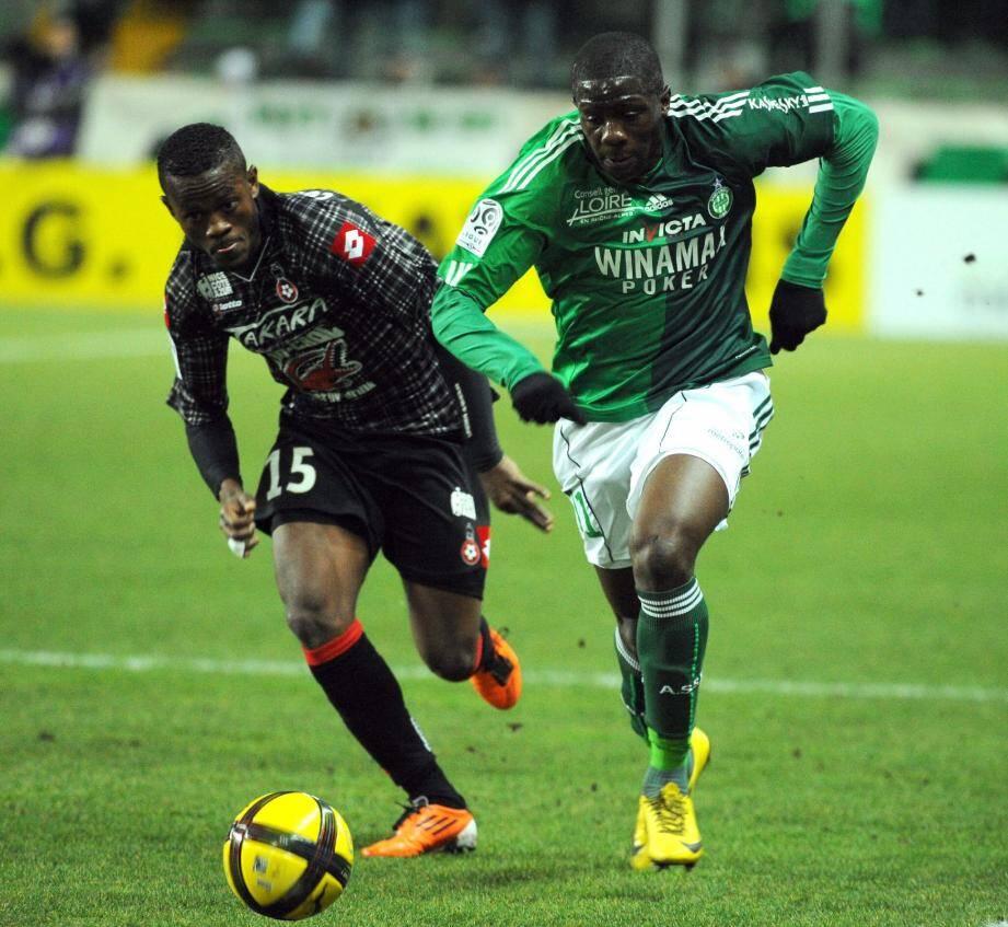 Coulibaly et Sako à la lutte : la saison dernière, le 26 février 2011, le Gym s'était imposé 2-0 à Saint-Etienne et Coulibaly avait marqué.