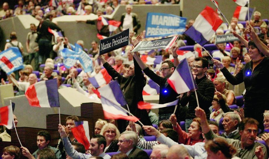 Parmi les supporters venus applaudir Marine Le Pen hier soir à Acropolis à Nice, on pouvait observer une population plus jeune et plus diversifiée que celle qui se rangeait derrière son père.