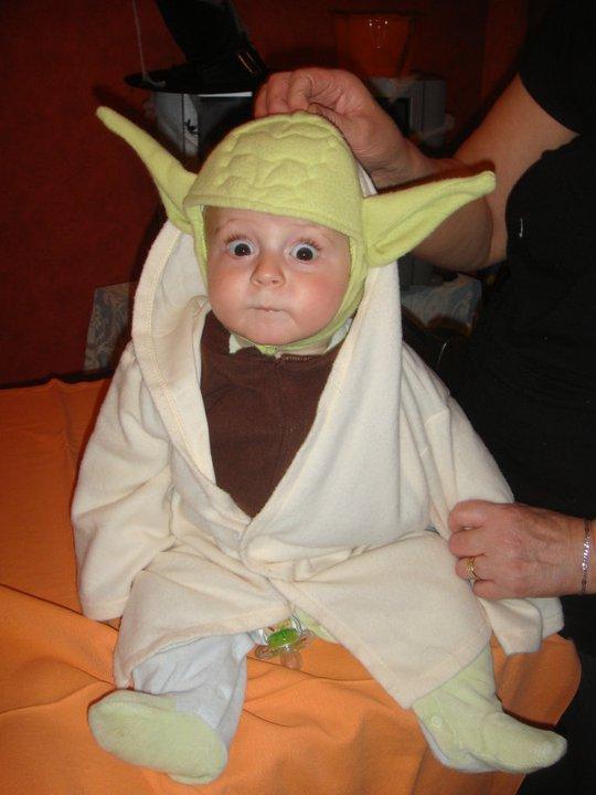 Le petit Liam déguisé en maître Yoda.