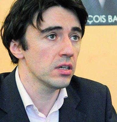 Yann Wehrling fustige l'attitude d'Europe Ecologie/Les Verts qu'il accuse « d'avoir détourné la parole écologique au profit de petits intérêts mercantiles. »
