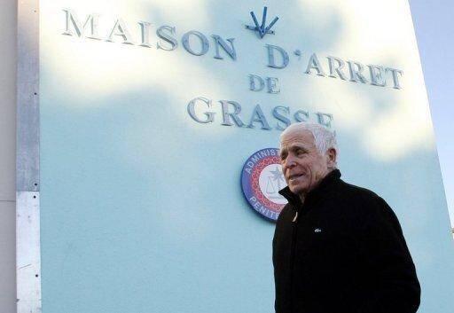 L'ex-maire de Vence Christian Iacono arrive à la prison de Grasse le 9 janvier 2012