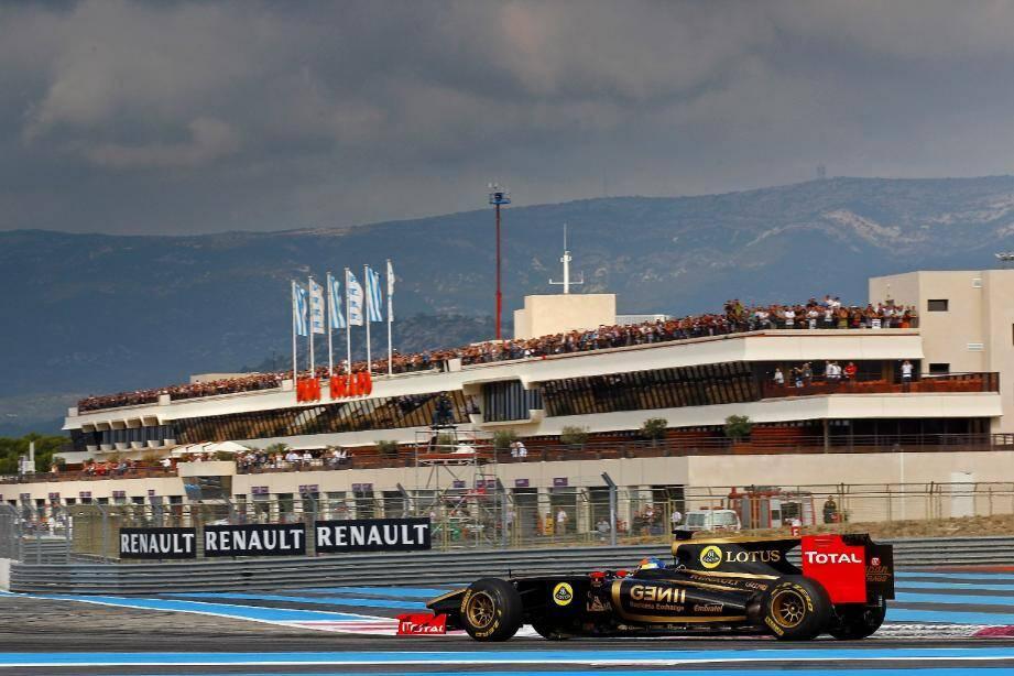 Lors des récentes World Series Renault, le show F1 assuré par Romain Grosjean a enthousiasmé les 60000 spectateurs présents qui rêvent de voir un jour le Grand Prix de France rouler à nouveau des mécaniques au Castellet. (Photo DPPI)