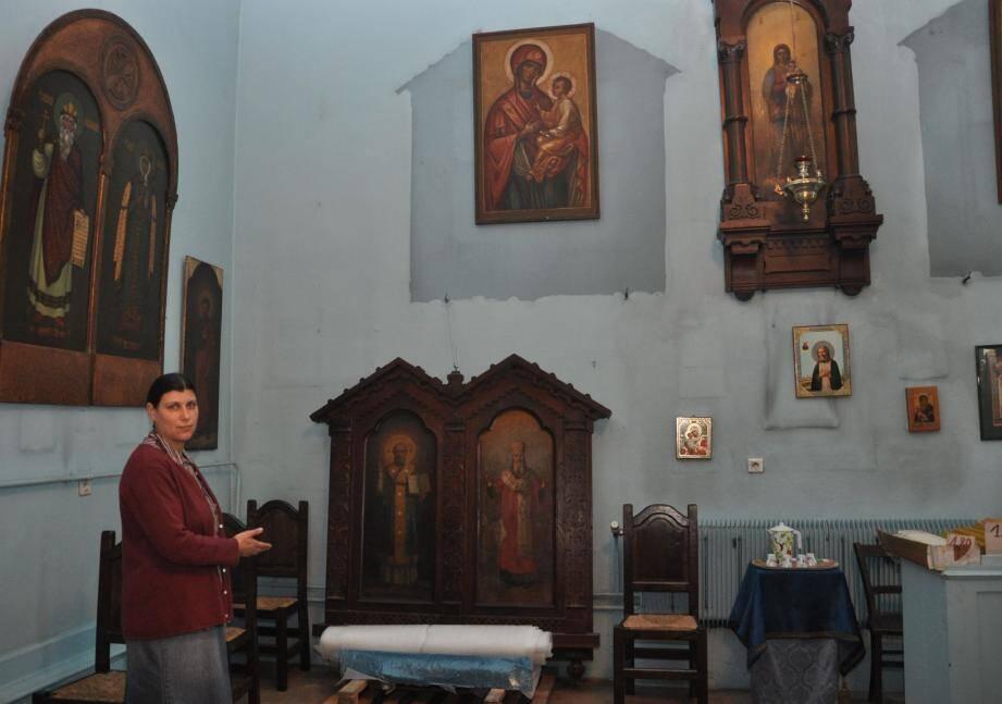 Elena Puric, l'épouse du prêtre en charge de l'église et membre du conseil d'administration de l'association orthodoxe Sainte-Anastasie, dénonce les conditions dans lesquelles les fidèles vont célébrer Pâques.