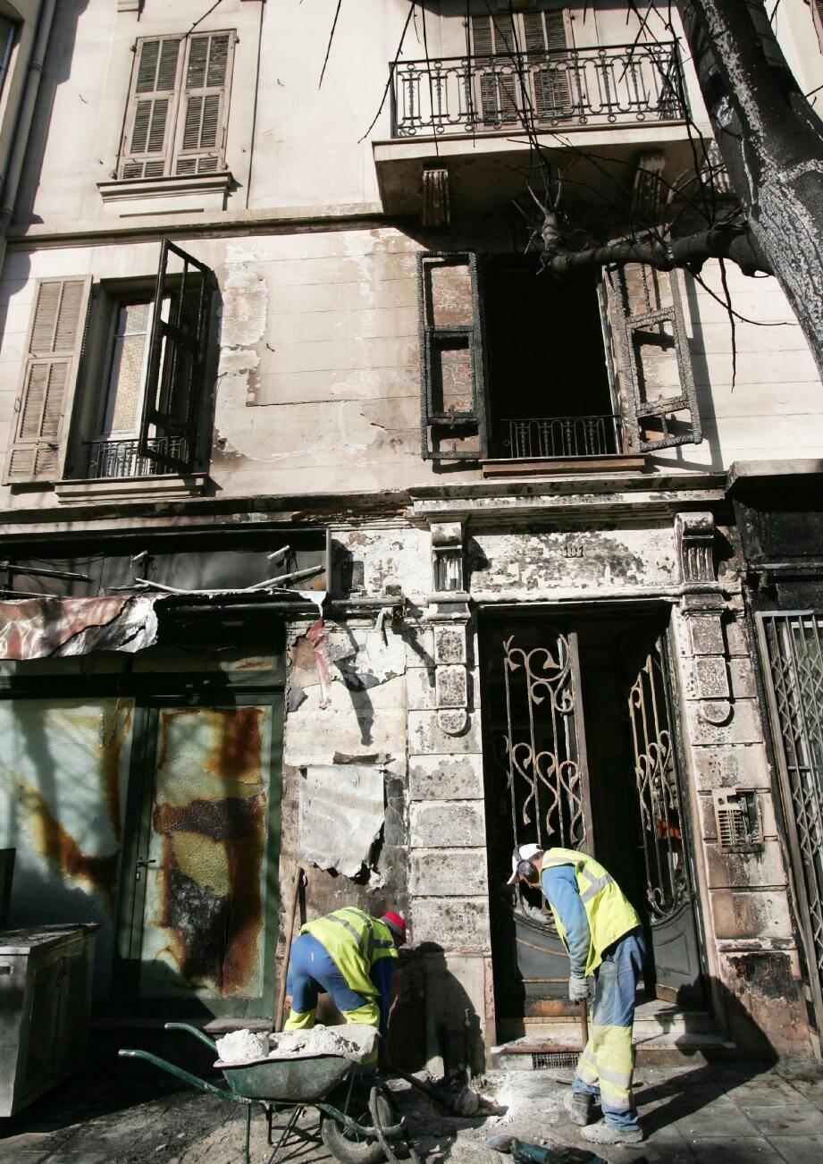 L'immeuble au lendemain de l'incendie.