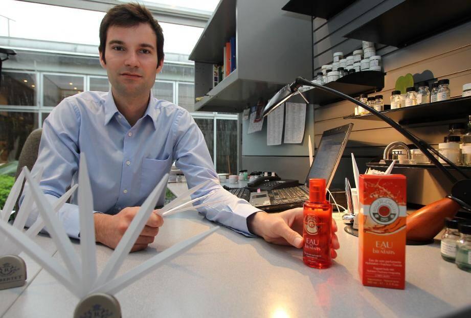 Mathieu Nardin fait partie de l'équipe des parfumeurs de Robertet.