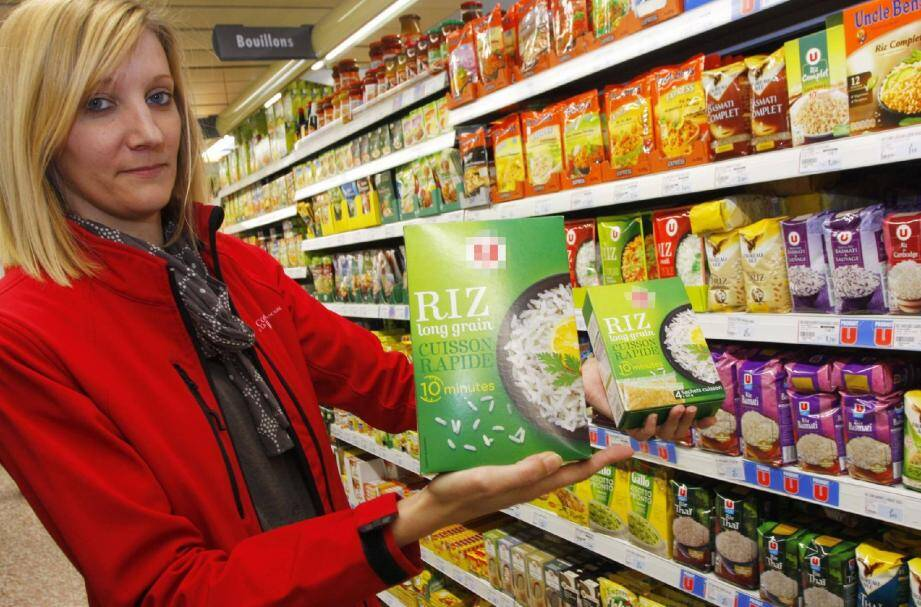 Marianne Cipan, conseillère environnement à la Carf, nous a guidés dans le dédale des rayons. En boîtes d'un kilo ou en sachets de 125 grammes, le prix au kilo de ce riz de même marque passe de 1,58 e à 2,14 e.