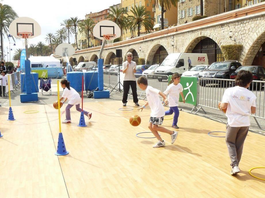 Tout au long de la journée, des ateliers sportifs ont été proposés aux jeunes, avec l'objectif de les sensibiliser à l'importance de bouger.