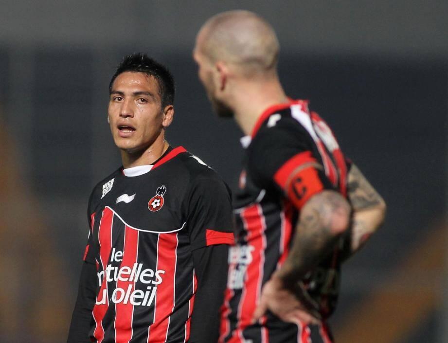 Fabian Monzon, de retour, et Didier Digard seront titularisés en défense.