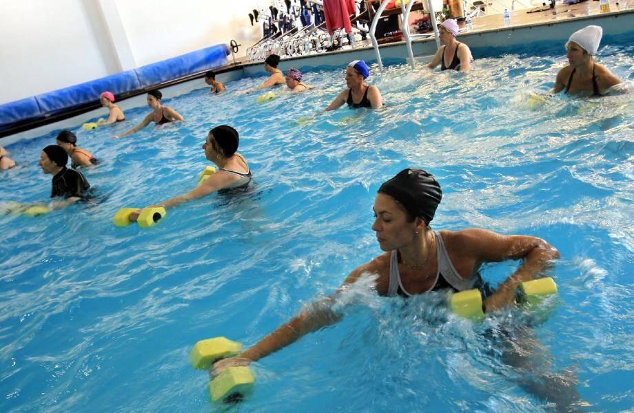 Bien que plus doux, l'effort demandé à chaque muscle est plus important dans l'eau.