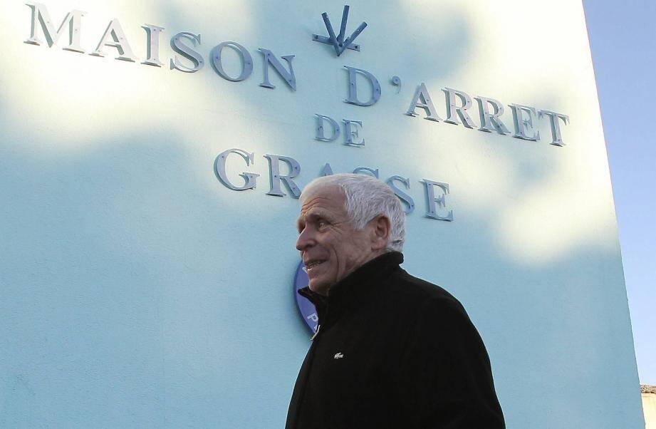Christian Iacono devant la Maison d'Arrêt de Grasse