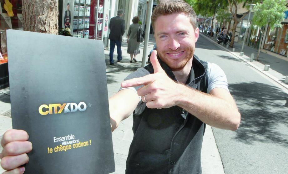 Arnaud Boyer, coiffeur rue Alphonse-Karr, est à l'origine de Citykdo.fr.