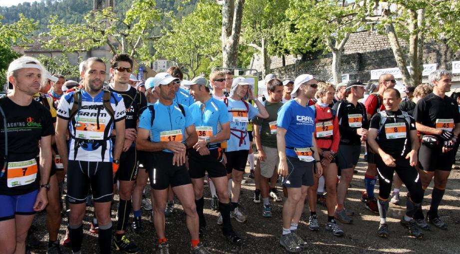 L'Escarénoise s'adresse à tous les amoureux du sport pédestre et de la nature.