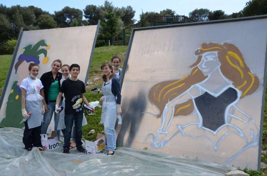 Durant leurs vacances scolaires, les ados du service Jeunesse se livrent au graffiti.