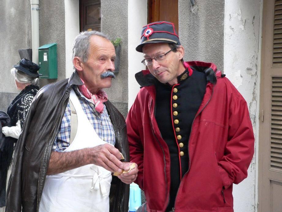 Les comédiens pendant le tournage, dont Pierre Michel, qui incarne le fameux boucher.