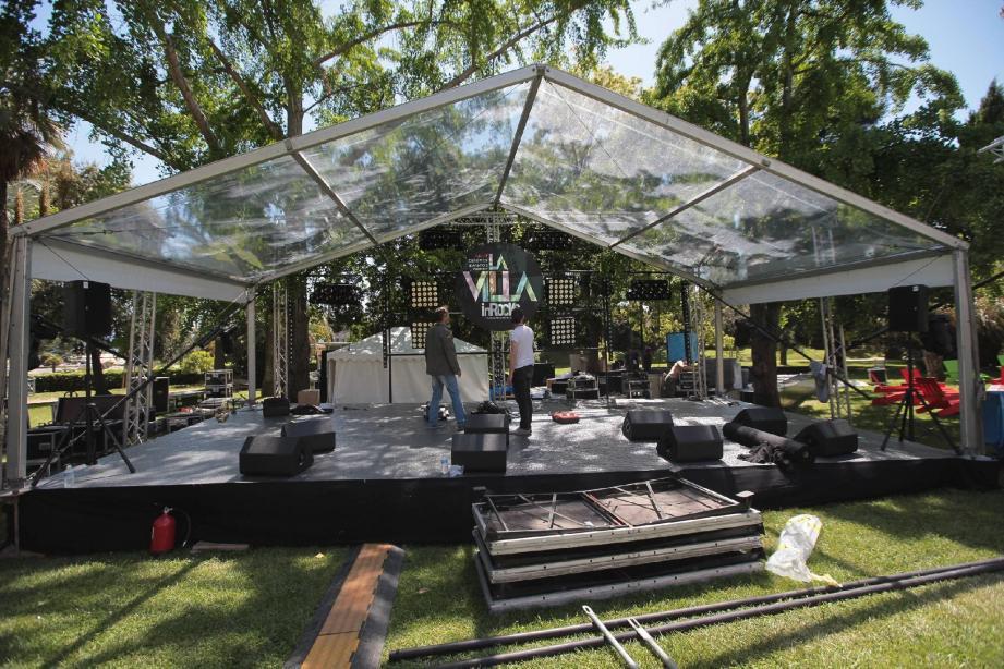 Derniers préparatifs pour recevoir des grands noms des musiques actuelles. L'aristocratique Villa Rothschild accueillera aussi bien Gossip, que Club Cheval. Un lieu devenu incontournable pour les festivaliers et les Cannois.