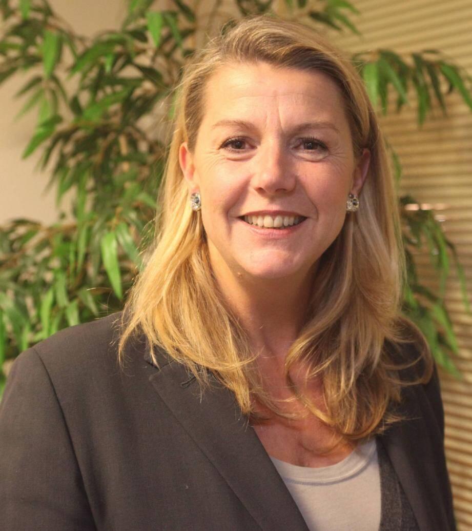 Conseillère générale PR de Vence, Anne Sattonnet dénonce « des pressions et menaces » sur sa candidature.
