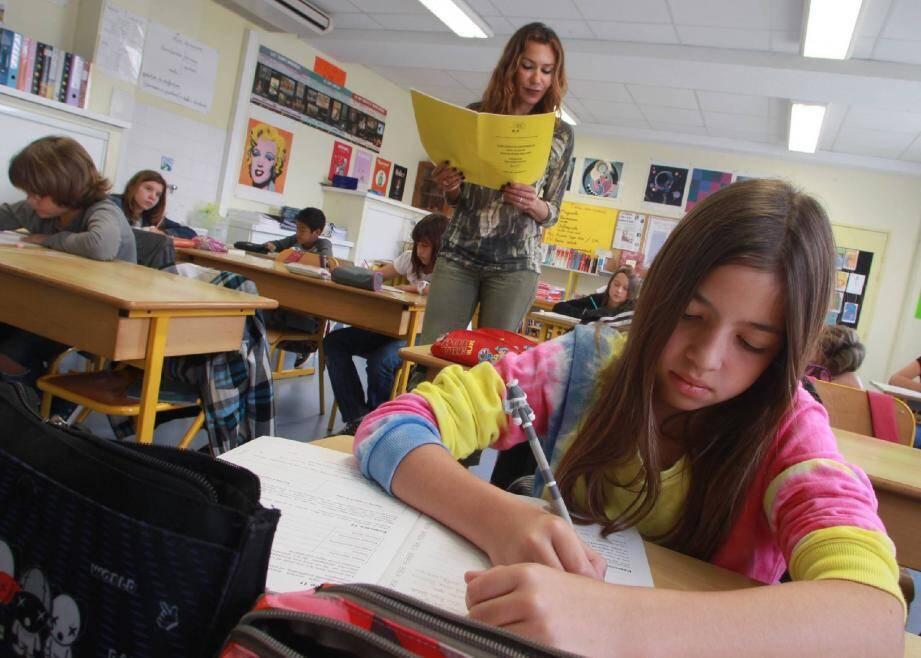 Comme leurs 12 091 camarades de CM2 dans les A.-M., les élèves de l'école Nikaïa à Nice, ont eu droit, hier matin, à une dictée dans le cadre des évaluations nationales.
