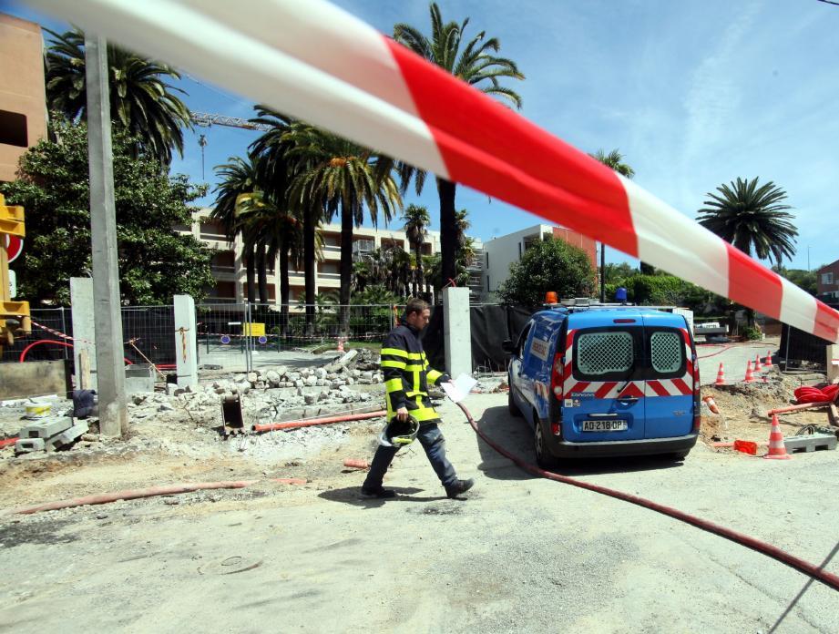 Hier, à 10 h 45, une canalisation de 63 mm a été perforée par une pelleteuse qui œuvrait sur le chantier de l'annexe du Centre de long séjour.