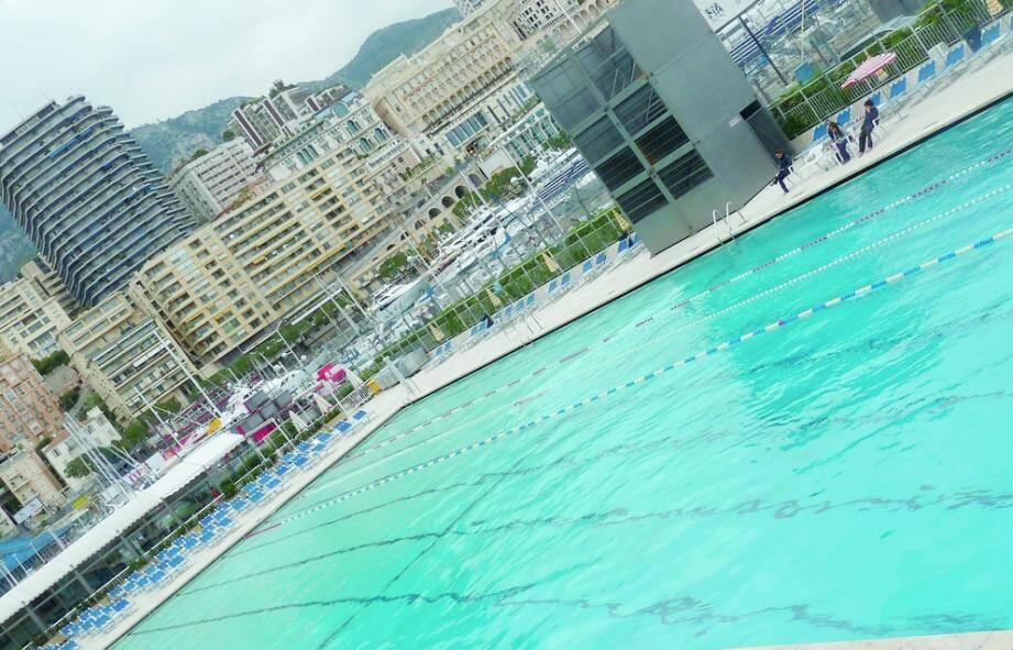 Rouverte depuis samedi, la piscine n'a pas attiré hier les baigneurs… Temps incertain oblige!
