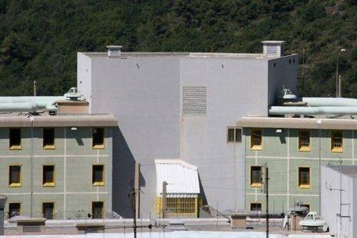 Vue extérieure de la prison de Grasse en 2007.