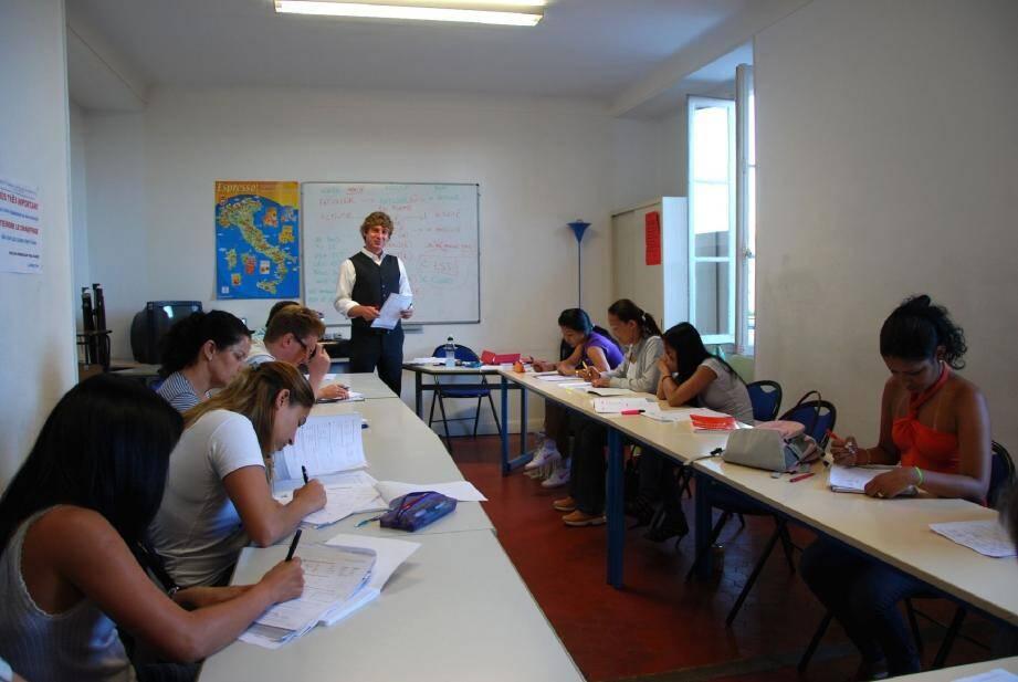 Classe de français pour les étrangers avec Yann Sager.