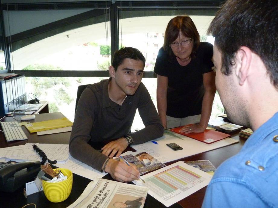Mercredi, dans les locaux de l'USM, Christophe et Monique Ferrere, secrétaire générale ont reçu des salariés inquiets sur leur future retraite. Ils annoncent des sommes bien moindres que celles du gouvernement.