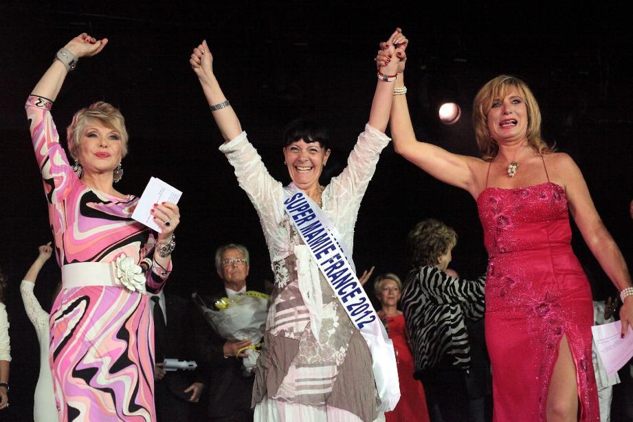 À 59 ans, Noëlle Jeanteau-Degueurce, super mamie de Côte-d'Or, championne de VTT a été élue, hier après-midi, à Nice, super mamie France 2012.