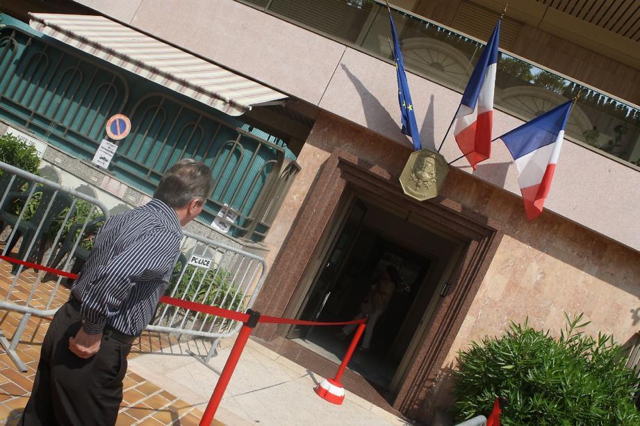 Peu de Français ont fait le déplacement pour le premier tour des législatives. Le taux de participation n'a été que de 20,05 %.