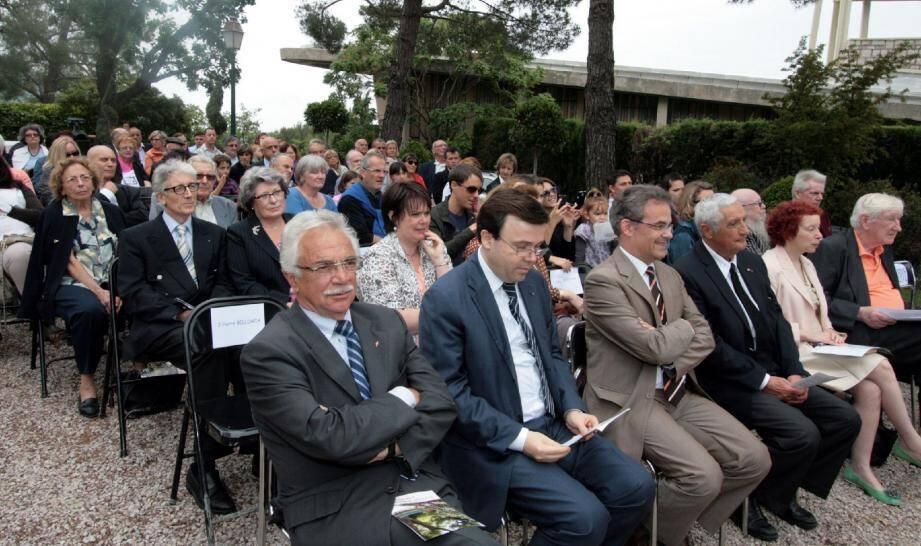 Les Pelhasques sont restés fidèles à la mémoire de la Princesse Grace de Monaco. Ils sont venus nombreux à lui rendre hommage, au premier rang, les élus locaux et les autorités monégasques.