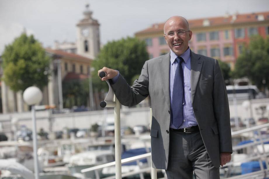 Eric Ciotti, sur le port de Nice, emblématique de cette 1re circonscription, qu'il dit être« très fier d'avoir modernisé» .