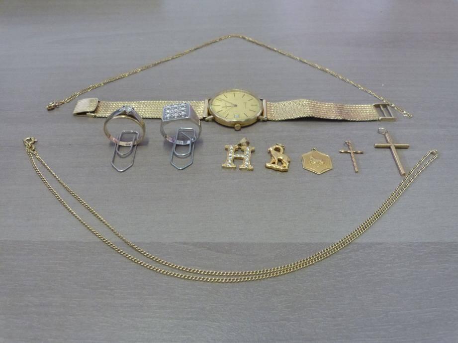Les policiers du GAJ ont mis la main sur un joli lot de bijoux qui pourraient s'avérer volés.