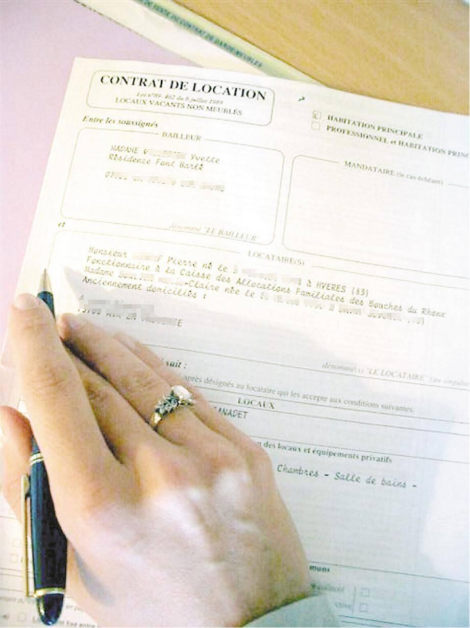 Si vous n'y connaissez rien en matière de contrat, l'improvisation pourrait vous jouer des tours. Mieux vaut dès lors frapper à la porte d'une agence immobilière.(DR)