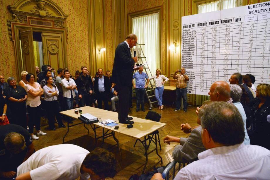 Jean-Claude Guibal a commenté les résultats devant ses partisans.