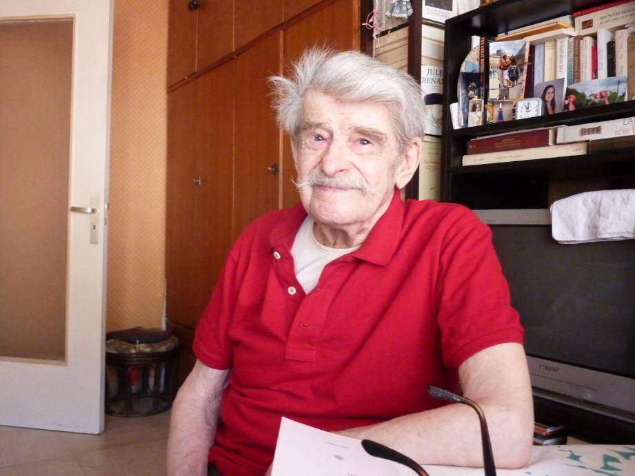 Sam, 93 ans, lauréat du concours de poésie de la RATP, sera bientôt affiché dans les couloirs du RER et du métro de Paris.