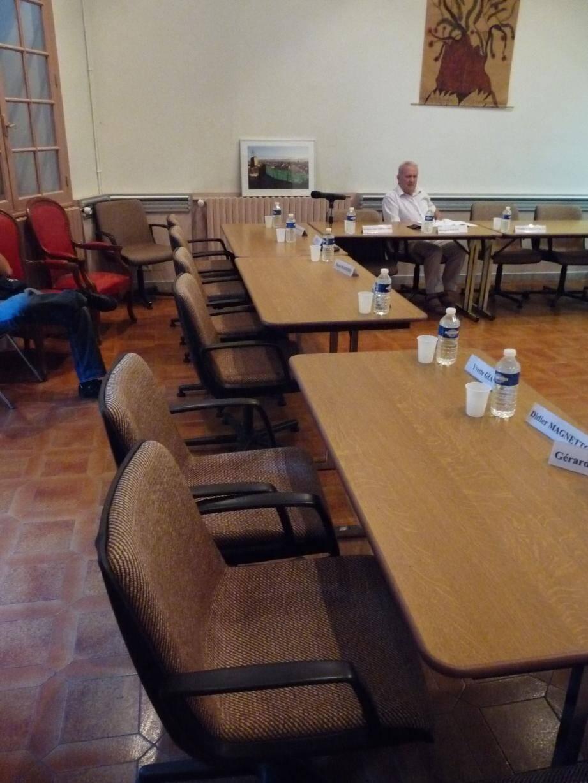 Les sièges des élus de l'opposition sont restés vides, comme ici lors d'une séance de juillet 2011. Cinq d'entre eux sont partis en début de conseil, désagréablement surpris de voir les rangs de la majorité clairsemés.