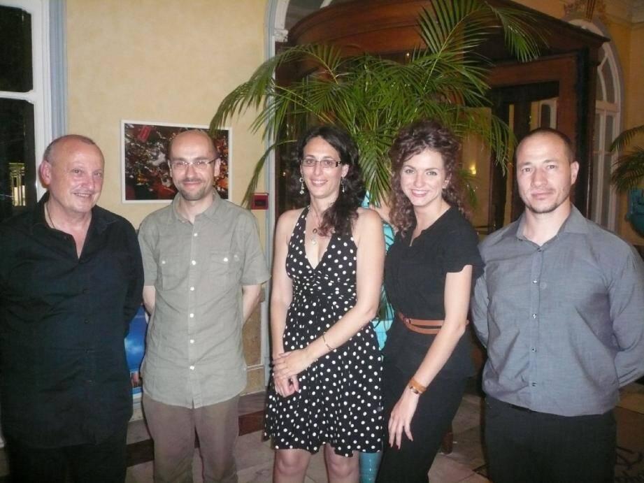 Quelques-uns des lauréats primés par l'Accademia corsa de Nice (de gauche à droite) : Pierre Poggioli, Jean-Christophe Tomasi, Laetizia Castellani, Diana Saliceti et Cyril Voyant.
