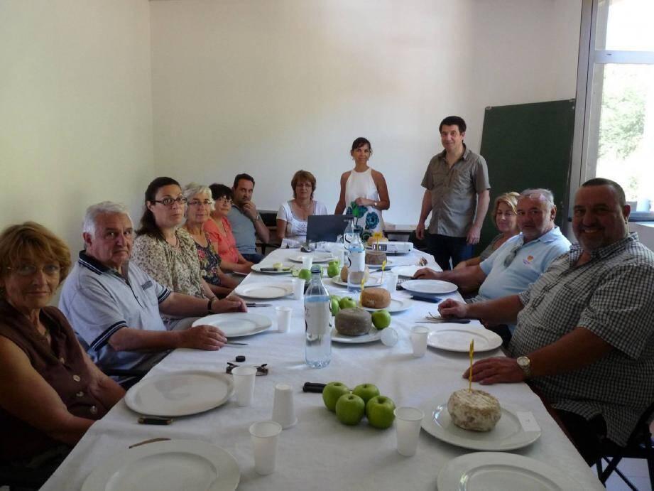 Une réunion de dégustation préparatoire pour établir les critères des productions sartenaises.