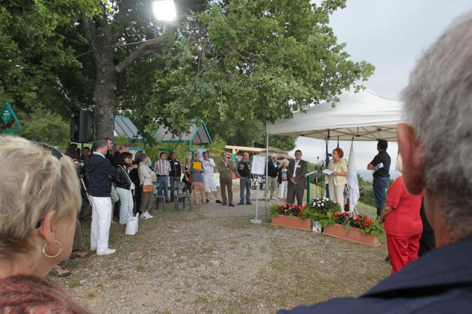 Le site du chêne de l'Empereur a été officiellement inauguré à l'occasion d'un « apéritif rencontre» des partenaires touristiques.