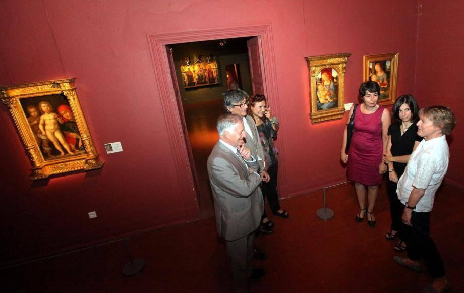 Simon Renucci, le maire d'Ajaccio était présent hier matin, pour découvrir la nouvelle exposition estivale du Palais Fesch Musée des Beaux-Arts.