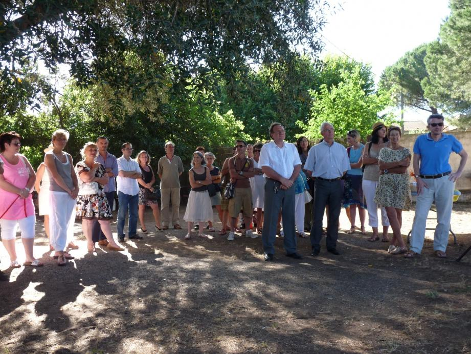 Séquence remerciements, dans les jardins de la mairie annexe de l'Ayguade, pour les équipes éducatives.