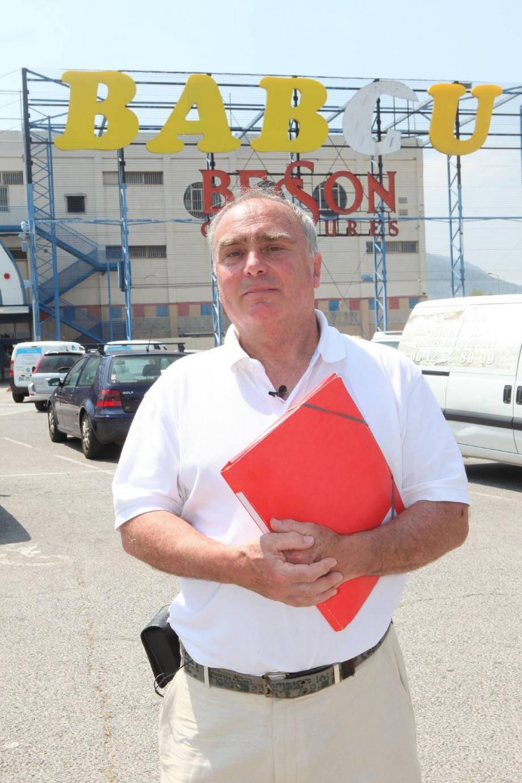 Faire démonter les panneaux qui ne respectent pas la loi, comme ici à La Valette, c'est l'objectif de l'association présidée par Pierre-Jean Delahousse.