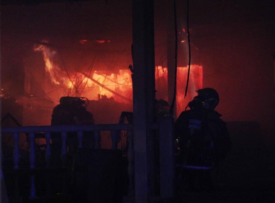 La brasserie attenante au casino a été dévastée par les flammes.