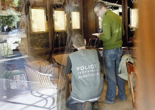 Le 9 novembre 2010, vers 11 heures, 997.000 euros de bijoux étaient dérobés.